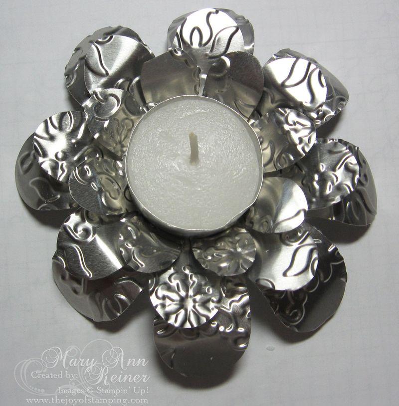 Metal flashing tea light